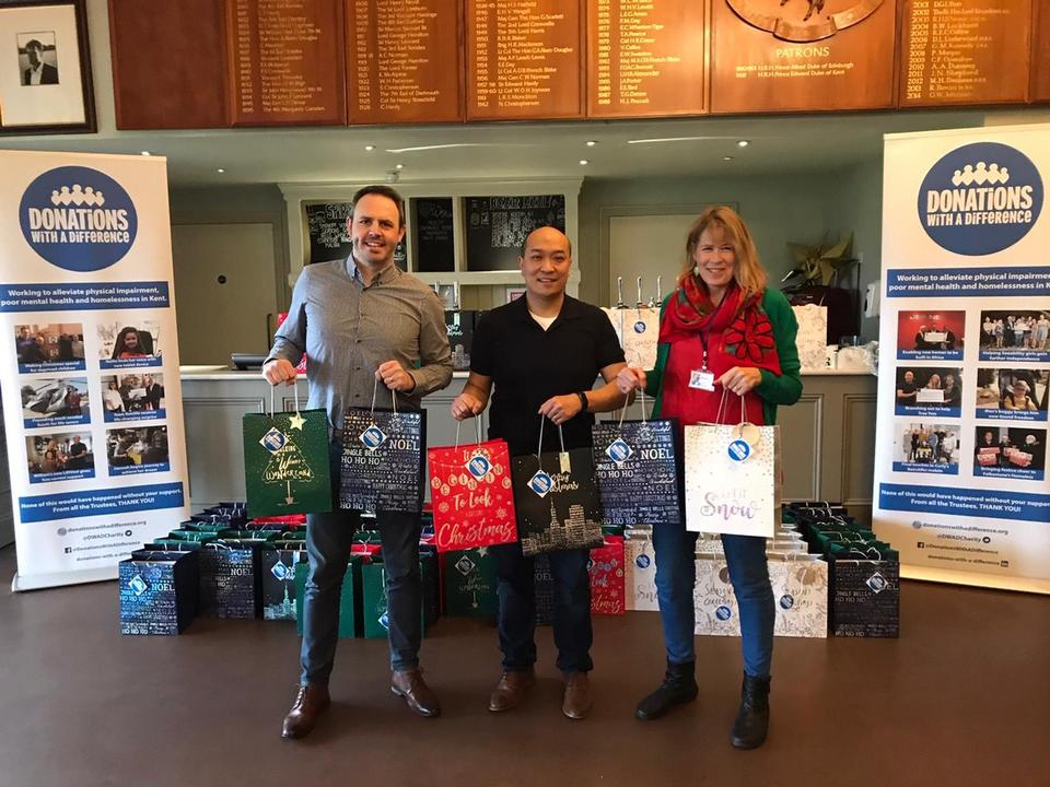 100 Presents Donated to Porchlight Community